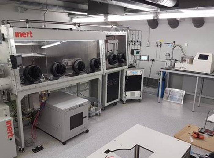 MiniLab 090 system installed within glovebox in a graphene/2D materials research lab